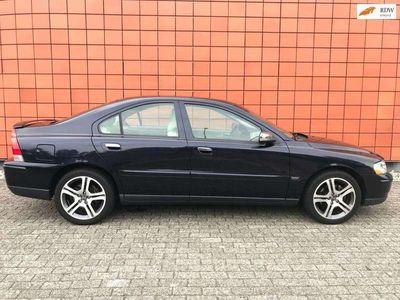 tweedehands Volvo S60 2.4 Sports Edition/Automaat/140pk/Leer/Climate ctrl/Goed onderhouden/Trekhaak/17 inch
