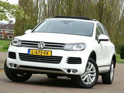 tweedehands VW Touareg 3.0 TSI Hybrid V6 333PK+ DSG-automaat / Highline LED