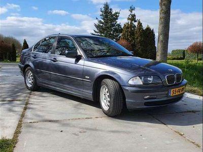 tweedehands BMW 320 i