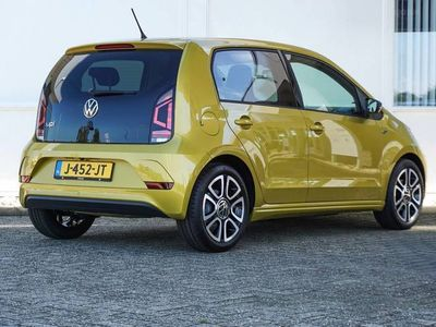 tweedehands VW up! 1.0 60pk R-Line + Climate Control + DAB+