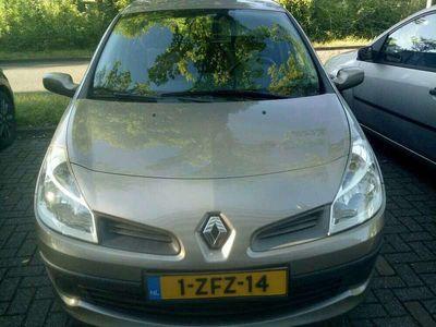 tweedehands Renault Clio 1.2-16V Rip Curl