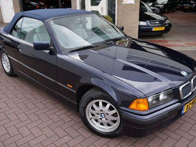 tweedehands BMW 318 Cabriolet 3 Serie i 85KW Executive (Youngtimer / BTW-Auto)