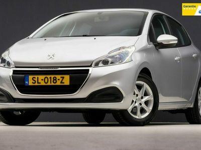 tweedehands Peugeot 208 1.2 PureTech Active Sport Automaat (NAVIGATIE, BLUETOOTH, LM VELGEN, SPORTSTOELEN, XENON, ISOFIX, CRUISE, NIEUWSTAAT)