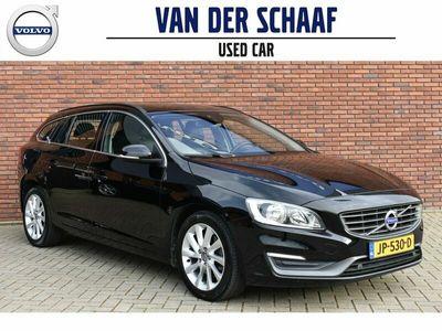 tweedehands Volvo V60 D4 181PK Momentum | on Call | Trekhaak | Keyless entry |