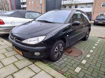 tweedehands Peugeot 206 1.6-16V XT