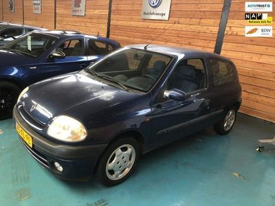 tweedehands Renault Clio 1.4 RT apk:10-2020 stuurbekrachtiging