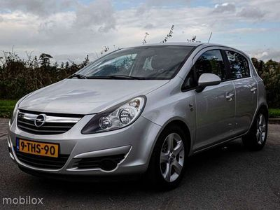 tweedehands Opel Corsa 1.4-16V 111 year edition 5drs airco cruise
