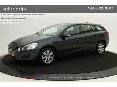 tweedehands Volvo V60 1.6 T3 Kinetic   Navigatie   Cruise control   Climate Contro