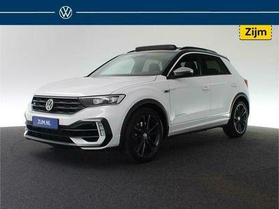 "tweedehands VW T-Roc R 2.0 TSI 300pk 4Motion DSG Panoramadak | Akrapovic uitlaat | Keyless entry | 19""Pretoria wielen | Navigatie | Winterpakket | Alarm | Spiegelpakket | BTW verrekenbaar !"