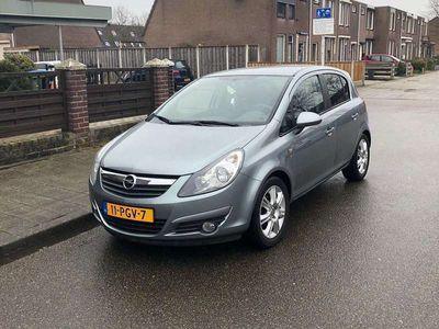 tweedehands Opel Corsa 1.4 benzine NAP en nieuwe apk