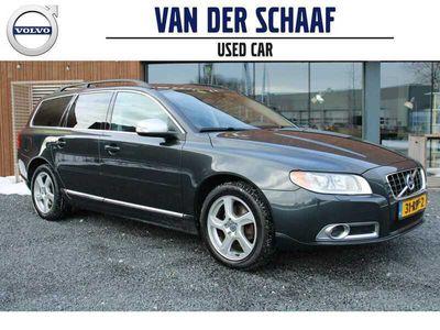 tweedehands Volvo V70 T4 180PK Automaat Limited Edition / Xenon / Leder / 17 inch / Getint Glas / Trekhaak / Navigatie / Stoelverwarming