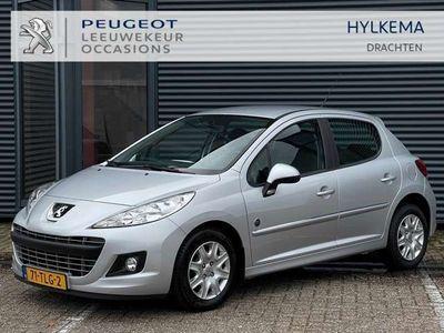 tweedehands Peugeot 207 Urban Move 1.4 VTI 16V 95pk 5DRS   Trekhaak   Cruise control