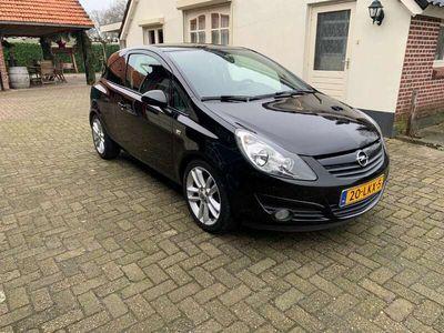 tweedehands Opel Corsa 1.4-16V Cosmo