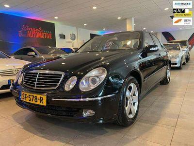 tweedehands Mercedes E500 Elegance. In perfecte staat en schitterende sjieke