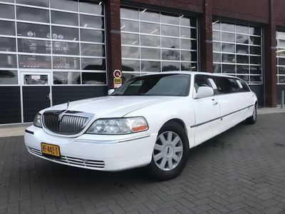 tweedehands Lincoln Town Car 4.6V8 Signature Limousine