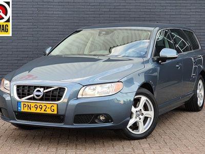 tweedehands Volvo V70 2.0 D4 Summum | BLIS | Navigatie | Trekhaak | PDC | Volledig Onderhouden