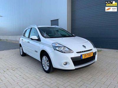 tweedehands Renault Clio Estate 1.2-16V Collection NAVI AIRCO NAP 2012