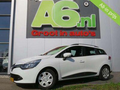 tweedehands Renault Clio - Estate 1.5 dCi ECO Expression Trekhaak Navi Airco Bluetooth Cruise