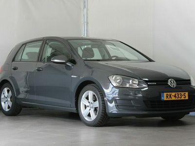 tweedehands VW Golf 1.6 TDI 110pk BlueMotion 5D Highline | Navigatie