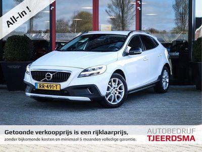 tweedehands Volvo V40 CC 2.0 D3 Summum Airco/LM-Velgen/Navi/Trekaak/Winterset