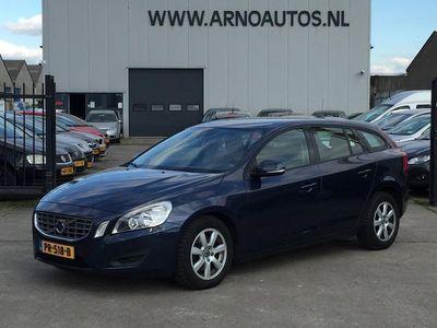 tweedehands Volvo V60 1.6 DRIVe Kinetic, AIRCOCLIMA, CRUISE CONTROL, 4X ELEK-RAMEN, RADIO-CD-MP3, CENT-VERGRENDELING, LM-VELGEN, 189.424 KM NAP