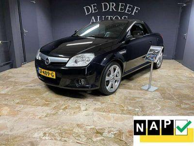 tweedehands Opel Tigra TwinTop ZONDAG ' s open van 12-tot 17 uur