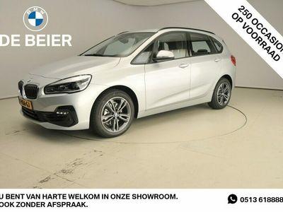 tweedehands BMW 218 2-SERIE Active Tourer I LED / Leder / HUD / Trekhaak / Sportstoelen / DAB / Hifi speakers / Alu 17 inch