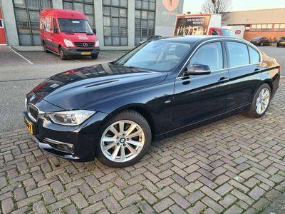tweedehands BMW 328 i High Executive