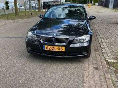 tweedehands BMW 318 i Business Line MOTORSCHADE