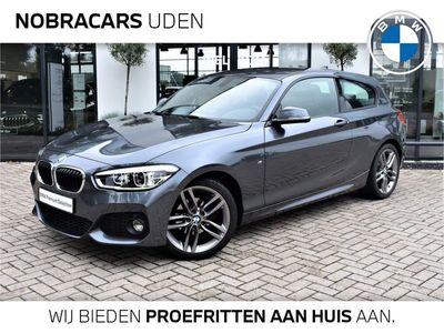 tweedehands BMW 118 1-SERIE 3-Deurs i M Sport Executive / Navigatie / Sportstoelen / LED-koplampen / 18 inch LMV / Parkeersensoren / Shadow Line / Stoelverwarming / 1e Eigenaar / Alcantara bekleding