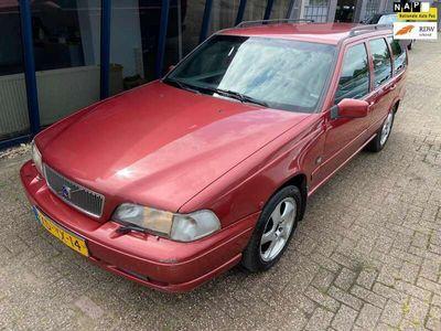 tweedehands Volvo V70 2.5 Exclusive-Line APK 02-2022 GOED LEZEN!!!