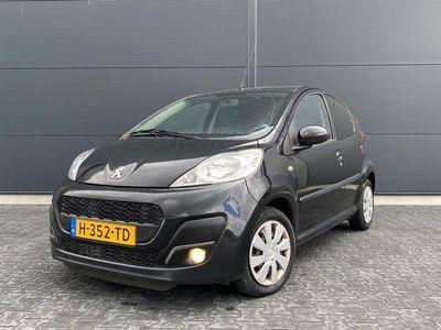tweedehands Peugeot 107 1.0 Première bouwjaar 2012 ( nw model )