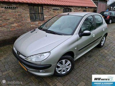tweedehands Peugeot 206 1.6-16V Gentry Premium