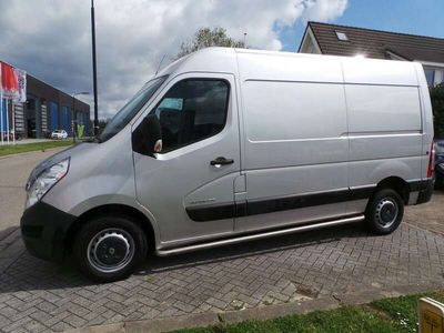 tweedehands Renault Master T35 2.3 dCi 136pk L2H2 Airco,Navi,Cruise,Pdc,Alarm