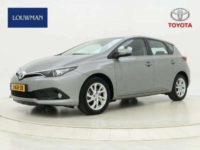 tweedehands Toyota Auris 1.8 H Dynamic Ltd | Navigatie | Safety Sense