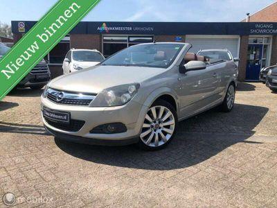tweedehands Opel Astra Cabriolet TwinTop 1.8,leder,navi,stoelverw,6 maanden garanti