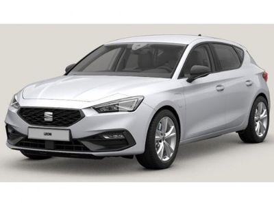 tweedehands Seat Leon FR 1.4 eHybrid 17 inch lichtmetalen velgen, parkeersensoren, slimme sfeerverlichting, full led, sportonderstel, laadkabels, 10 inch navi