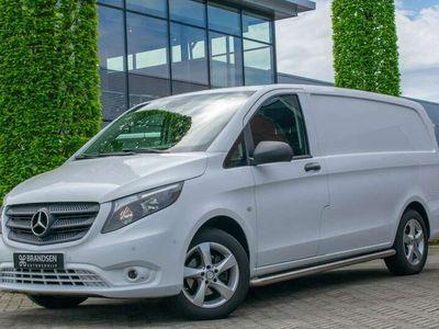 """tweedehands Mercedes Vito 114 CDI Lang Navi Camera ECC 17"""" Trekhaak Sidebars"""