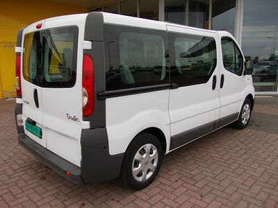 tweedehands Renault Trafic 2.0 DCI E5 AIRCO 9 PERSOONS PERSONENBUS