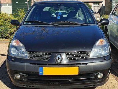 tweedehands Renault Clio Initiale met veel opties, 1.6, 105 pk, 16V