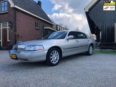 tweedehands Lincoln Town Car Signature L(ang) UNIEK 110DKM!!