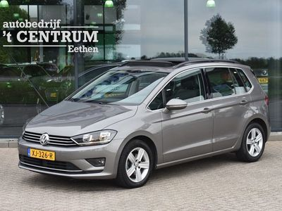 tweedehands VW Golf Sportsvan 1.6 TDI Highline Automaat, Trekhaak, Panoramadak, Navigatie, Ad. Cruise Control