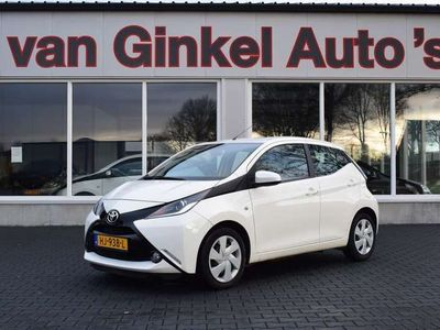 tweedehands Toyota Aygo 1.0 VVT-i x-play Airco|Camera|NAP|luxe nette auto!