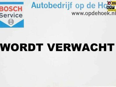 tweedehands Mercedes B200 Prestige / Automaat / Navigatie / Xenon / Stoelver