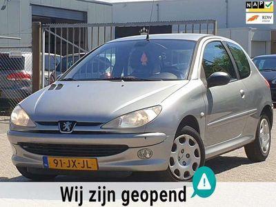 tweedehands Peugeot 206 1.4 Gentry Premium AIRCO/Έlectric.R/ HALF LEER APK 27-5-2021