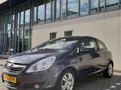 tweedehands Opel Corsa 1.2-16V Edition