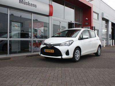tweedehands Toyota Yaris 1.0 VVT-i Now