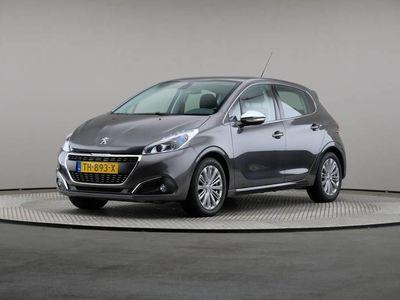 tweedehands Peugeot 208 1.2 PureTech Blue Lease Allure, Navigatie