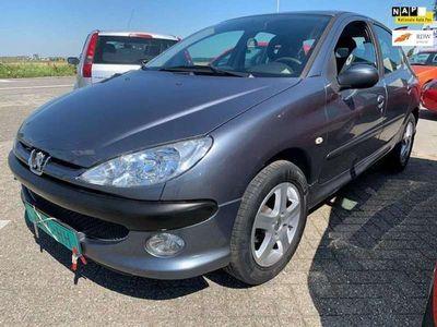 tweedehands Peugeot 206 1.4 One-line, APK, 5 dears, 2007