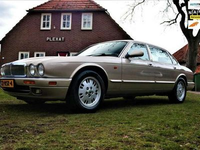 tweedehands Jaguar XJ6 Sovereign4.0 LWB [ slechts 159.000KM | Youngtimer | zee